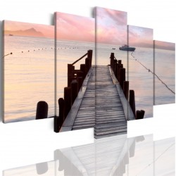 Canvas image spread on the frame 508