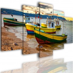 Canvas image spread on the frame 517